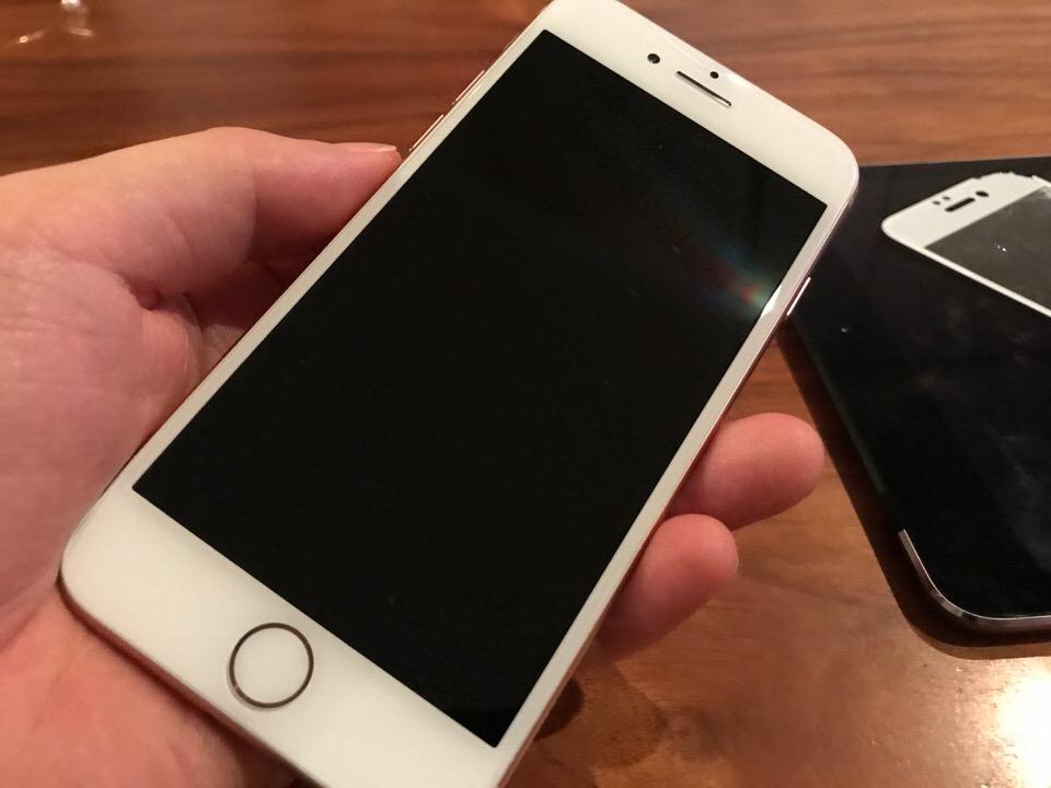 iPhone8が落として割れたのにもかかわらずほぼ無傷